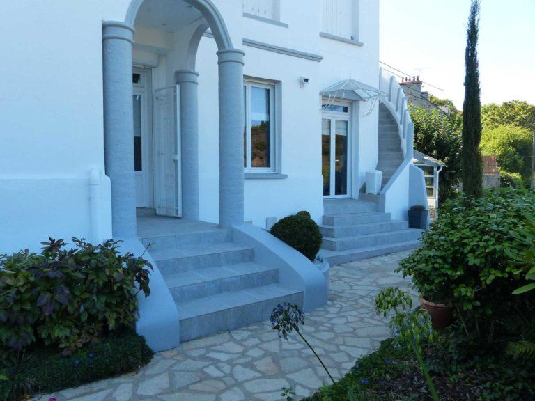 Escalier et entrée en gré céram gris clair - Saint Brieuc