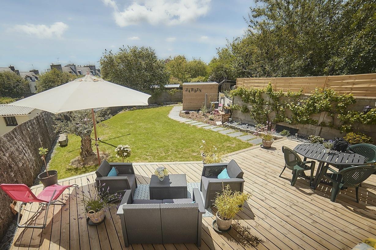 Installation d'une terrasse en bois surélevée - Saint-Brieuc