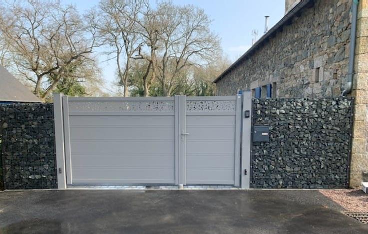 Portail et gabion - Pommerit-Le-Vicomte